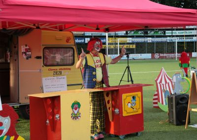 Run-for-Joyce-2016-Clown-Ziezo (3)